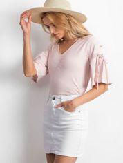 Bluzka jasnoróżowa z rozszerzanymi rękawami