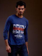 Bluzka męska z tekstowym nadrukiem niebieska