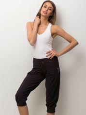 Ciemnofioletowe spodnie capri z wiązaniem