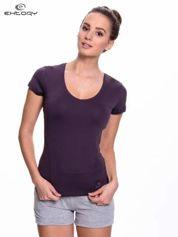 Ciemnofioletowy damski t-shirt sportowy z dekoltem U