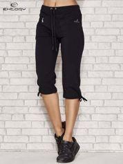 Ciemnogranatowe spodnie dresowe capri z kieszonką