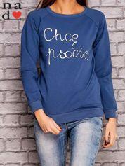 Ciemnoniebieska bluza z napisem CHCĘ PSOCIĆ