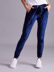 Ciemnoniebieskie aksamitne spodnie