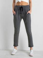 Ciemnoszare spodnie dresowe z dżetami
