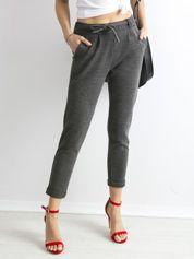 Ciemnoszare spodnie z paskiem