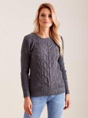 Ciemnoszary dzianinowy sweter w warkocze