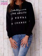 Czarna bluza z napisem