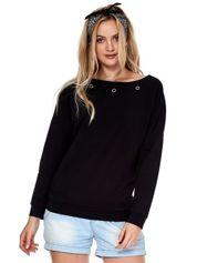 Czarna bluza z ozdobnymi kółeczkami