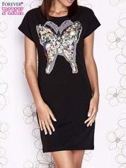 Czarna sukienka z cekinowym motylem