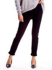 Czarne spodnie damskie o prostym kroju