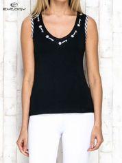 Butik Czarno-biały top sportowy z lamówką w stylu marynarskim