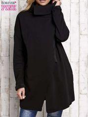 Czarny płaszcz dresowy z asymetrycznym suwakiem i wysokim kołnierzem