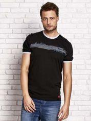 Czarny t-shirt męski z motywem tekstowym