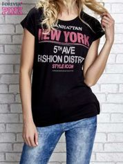 Czarny t-shirt z napisem FASHION DISTRICT z dżetami