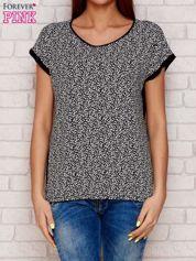 Czarny wzorzysty t-shirt