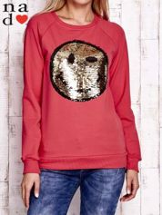 Czerwona bluza z dwustronną naszywką z cekinów