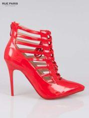 Czerwone lakierowane botki lace up