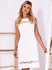 Ecru sukienka z ażurowymi wstawkami