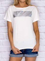 Ecru t-shirt z błyszczącym nadrukiem