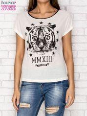 Ecru t-shirt z nadrukiem tygrysa i zipem z tyłu