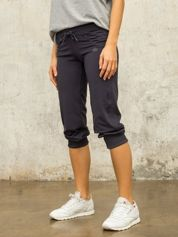 Grafitowe spodnie capri z aplikacją