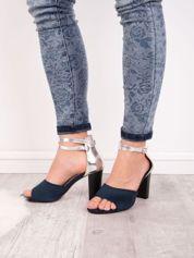 Granatowe sandały SABATINA z metalicznym tyłem cholewki