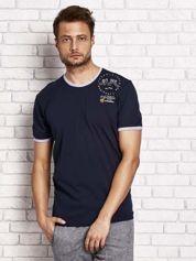 Granatowy t-shirt męski z nadrukiem