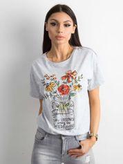 Jasnoszary t-shirt z motywem kwiatowym i aplikacją