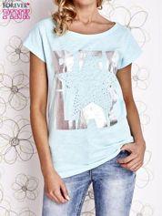 Jasnozielony t-shirt z motywem gwiazdy i dżetami