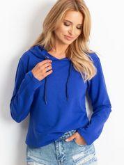 Kobaltowa bluza z kapturem i troczkami