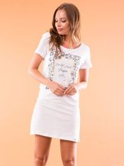 Koszula nocna z kwiatowym nadrukiem biała