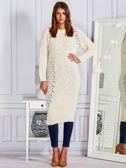 Kremowa swetrowa sukienka midi