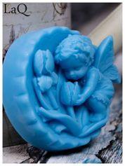 LaQ Mydełko duże Anioł z tulipanami w medalionie - niebieski / Zapach - wata cukrowa BEZ SLS i SLES