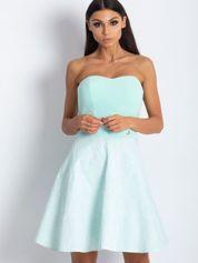 Miętowa rozkloszowana sukienka bez ramiączek