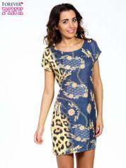 Niebieska sukienka z panterkowym nadrukiem