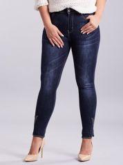 Niebieskie jeansy z aplikacją PLUS SIZE