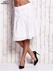 O'NEILL Biała rozkloszowana spódnica z kokardką