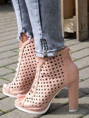 Różowe zamszowe sandały z ażurową cholewką bez palców