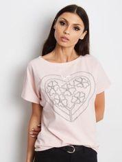 Różowy t-shirt z haftowanym sercem