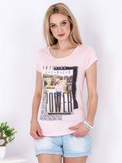 Różowy t-shirt z nadrukiem boho