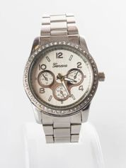 Srebrny zegarek damski z cyrkoniami
