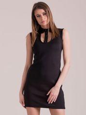 Sukienka czarna z kołnierzykiem i guzikami