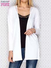 Sweter z koronką biały