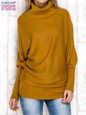 Sweter z szerokim kołnierzem brązowy