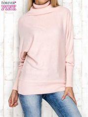 Sweter z szerokim kołnierzem różowy