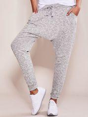 Szare spodnie dresowe melange