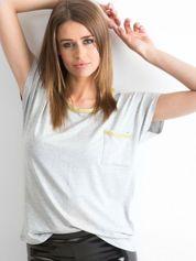 Szary t-shirt z błyszczącą lamówką
