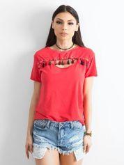 T-shirt damski z kolorowymi pomponikami czerwony