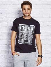 T-shirt męski z miejskim printem czarny