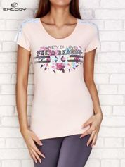 T-shirt z napisem VARIETY OF LOVE jasnoróżowy
